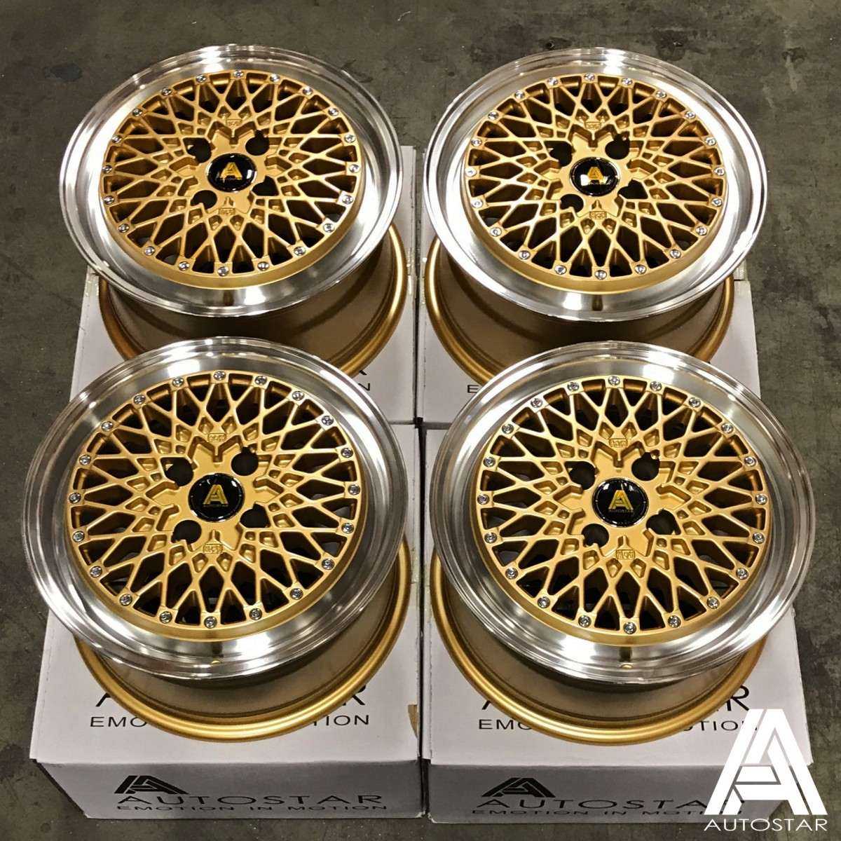 AutoStar Minus 15x7.5 4x100 ET25 Polished with Gold Centre - Set of 4
